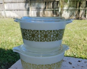 Pyrex Square Flowers Cinderella, Green (Verde) 473, Excellent Condition WITH LID!