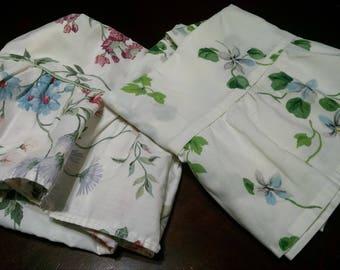Vintage Pillowcases / Vintage Bedding / Retro Pillowcases / Mismatched  Pillowcases / Floral Pillowcases / Ruffled Pillowcases / #7