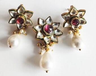 Kundan  Flower Pendant  Wedding Set