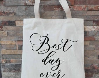 Personalized Bridesmaid Tote, Personalized Wedding Tote Bag, Bridal Party Gifts, Personalized Bridal Party Tote, Bridesmaid