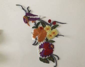 Embroidery applique bird has 27 * 13 cm sew