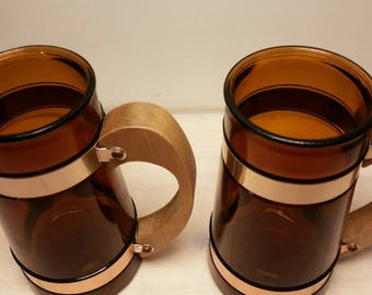 Pair of Siesta Ware Clear Brown Wooden Handled Tapered Glass Mugs / Steins Pair