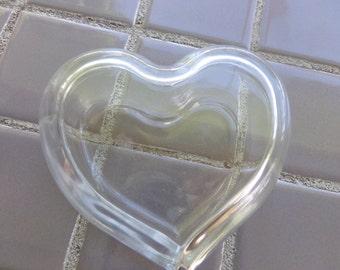Vintage Heart shaped glass box, glass heart box, lidded heart box, trinket box, glass gift box, clear trinket box