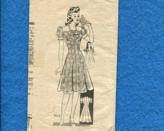 1940's Marian Martin 9113 Fitted Princess Seam Flared Skirt Dress Pattern Size 14