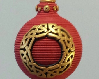 Celtic wreath ornament