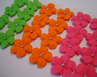 Royal icing sugar flowers 150 flowers 50 of each color