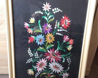 Beautiful hand embroidered wall pictures