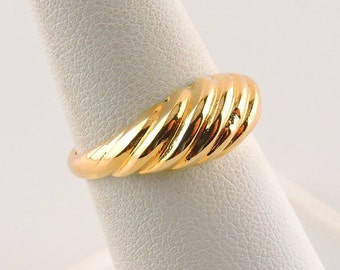 Size 7 18k Gold Plated Ribbed Dome Ring