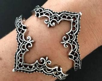 INDIAN ARCH inspired cuff bracelet/ Bohemian stacking Cuff bracelets /Alloy silver plated bracelet /chevron bracelet