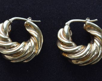 18kt Gold Hoop Pierced Earrings, Shrimp, Swirl, .750, 6.6 grams (TB20)