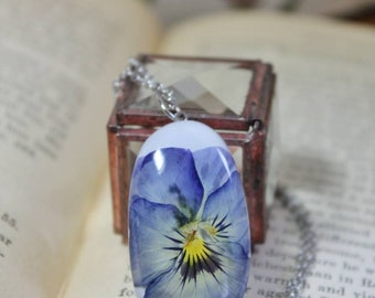 Pressed Pansy Necklace, Real Pansy Jewelry, Resin Necklace, Real Flowers in Resin, Florals, Pressed Flower Jewelry, Botanical Necklace