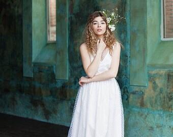 TSERASIYA / boho wedding dress v neck wedding dress polka dot wedding wedding dress lovely bride white sleeveless wedding gown ethereal