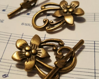 Flower Toggle Clasp - 12 sets - Antique Bronze Clasp - Bronze Clasps - Necklace Clasp - Bracelet Clasp - Bronze Toggle Clasp