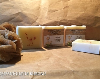 "Palm oil free soap ""Sträußlein"" with Straussenöl"