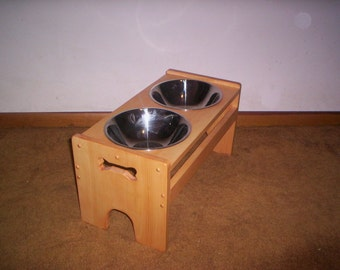ELEVATED DOG FEEDER ,11 inch high with 3qt. s.s. Bowls