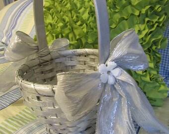 Basket Flower Girl Vintage Silver Woven Basket Silver Bows White Flower Accent Wedding Wedding Accessories Gift Centerpiece Table Decor