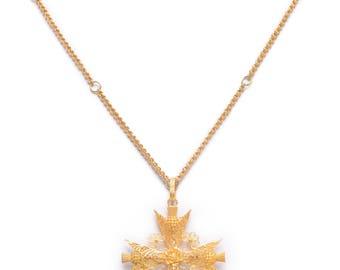 18 KT. Gold Maltese Cross Pendant / Brooch