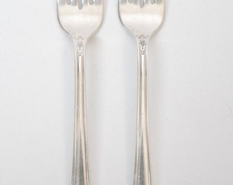 1847 Rogers Her Majesty Individual Salad Forks Set of 2 1930s International Silver Art Nouveau Elegant Classic Dinner Party