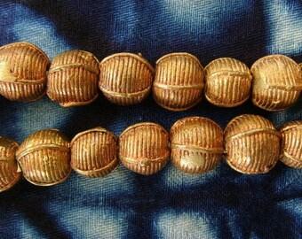 8 beads African brass BB15