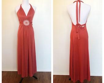 Vintage des années 70 au Crochet rouille saumon Empire Maxi Dress Halter
