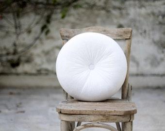 """White velvet round pillow 16"""""""