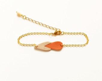 Drop shaped leather bracelet Kalypso Coral / Graphic bracelet / Bicolore