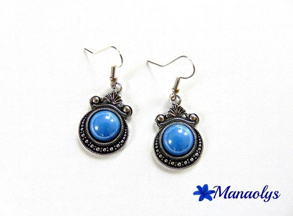 Vintage earrings, Cabochon Blue Pearl resin, mother's day