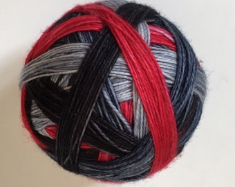 Sock yarn: 'Little Red meets wolf ' (4 colours, self striping)