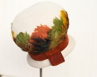 1950s or 1960s Vintage Hat Wool Hat with Feathers