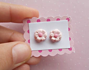 Pink Flower Earrings - Pink Daisies Studs - Daisy Earrings - Floral Jewelry - Flower Stud Earrings - Gift for her - Christmas Gifts