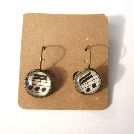 Music clip on earring
