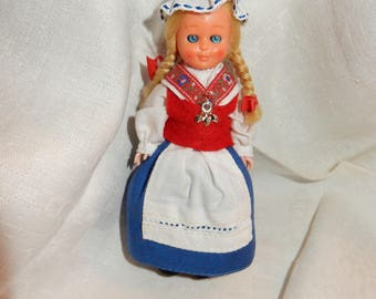 Swedish folk costume doll in national costume for the province Dalsland / Ärtemark