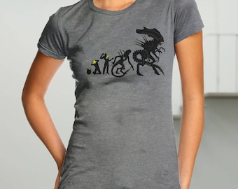 Alien Evolution T-shirt / Science Fiction Tee / Xenomorph / Sci-fi / Cult Movies  / Free Shipping worldwide
