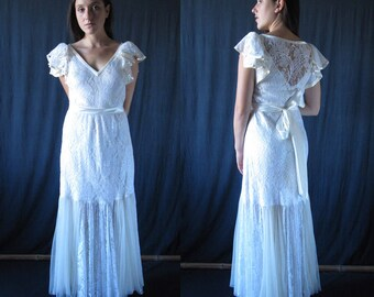 Wedding dress, off-white lace and tulle, single model, Vintage  1980's