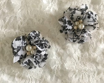 Black and white Floral Baby Girl Hair Clips, flower hair clips, baby hair clips, floral, hair clips, flower, black and white floral
