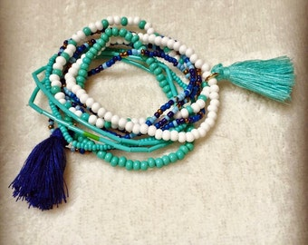 Lot of 9 bracelets white and turquoise with PomPoms
