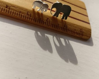 Silver Elephant Earrings, mum and baby, Gift for mum, Day wear Earrings, Elephant Studs, Zoo Earrings, Elephant lover Gift, Elephant family