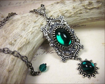 Emerald Renaissance Necklace, Green Medieval Costume, Tudor, Princess Wedding, Castle Bride, Victorian Pendant, Ren Faire, Garb, GothCath