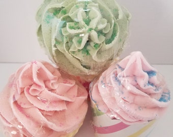 Cupcake Bath Bomb with Bubble Frosting No Sugar
