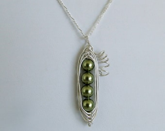 Sterling Four Peas in a Pod Pendant Necklace