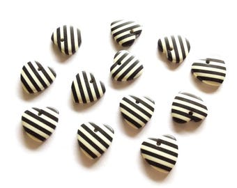 20 pcs Cute Love Heart Shape Cabochon Flatback Decoration Size 18 mm Black & White stripe