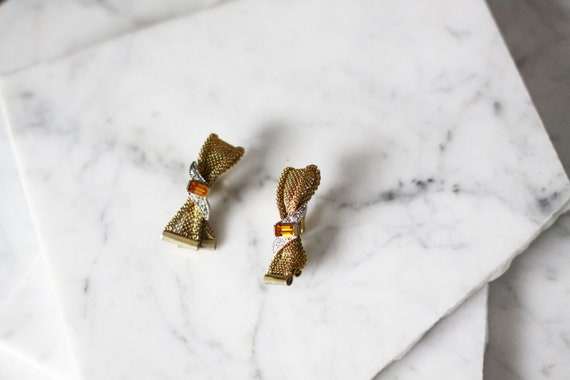 1960s gold mesh bow earrings // 1960s gold bow earrings // vintage earrings