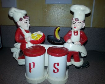 LAST CHANCE SALE!!! Vintage Tremax 1950s Salt and Pepper Chef Plastic Wall Hanging
