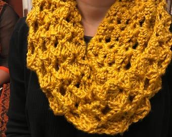 hand crochet cowl