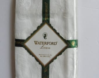 Pair of White Damask Finger Tip Towels Waterford Linens  1995 Taiwan New Factory Sealed