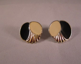 Vintage Enamel Black and Vanilla Gold Tone Pierced Earrings / Shipping Included