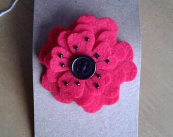 Felt poppy flower hair clip in red