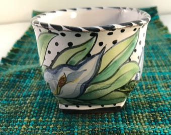 Pottery coffee mug - hand painted majolica tea cup - hand made gifts - calla lily - Valentine's Day gifts