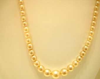 "Vintage 17"" Faux Pearl Necklace (0189) 3mm - 8mm"