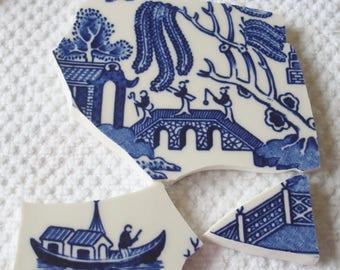 Carreaux de mosaique de vente maintenant 10.00 focale carreaux Blue Willow pont w amoureux, père, homme pêche bateau, clôture, Vintage plaque cassée Tessera